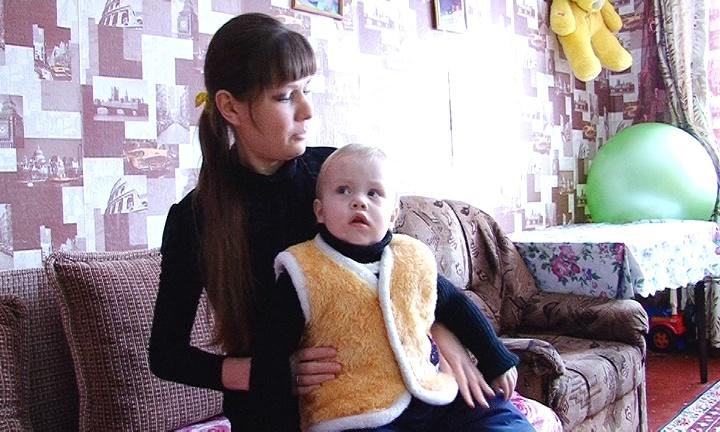 Семья Шатуновых с маленьким сыном всю зиму живут в одной комнате